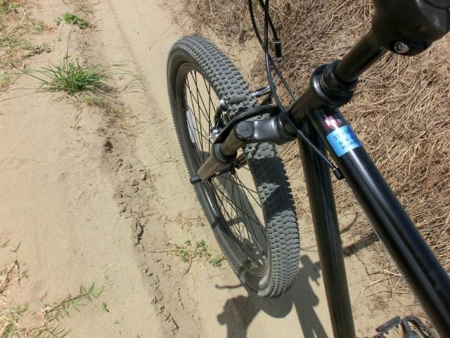 自転車と砂