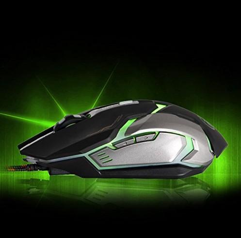 緑色に光るイメージ