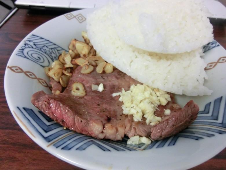 にんにくステーキ+ごはん